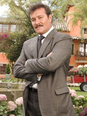 "actualmente interpreta a "" Enrique "" en la telenovela Victoria ..."
